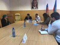 Министр туризма, курортов и молодежной политики КЧР Анзор Эркенов провел выездной прием граждан в Адыге-Хабльском и Ногайском и районах